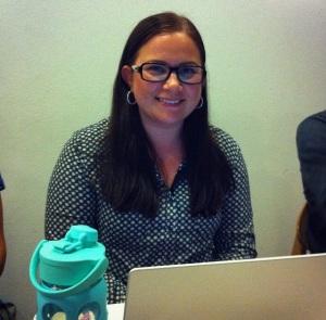 Varaedaattorimme Laura ensimmäisessä edustajiston kokouksessaan.