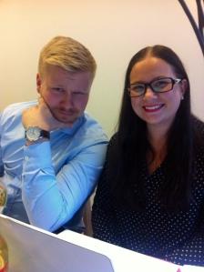 Syyskuun kokouksessa paikalla olivat Teemu ja Laura (kuvassa) sekä kameran toisella puolella Sanna ja Ville.